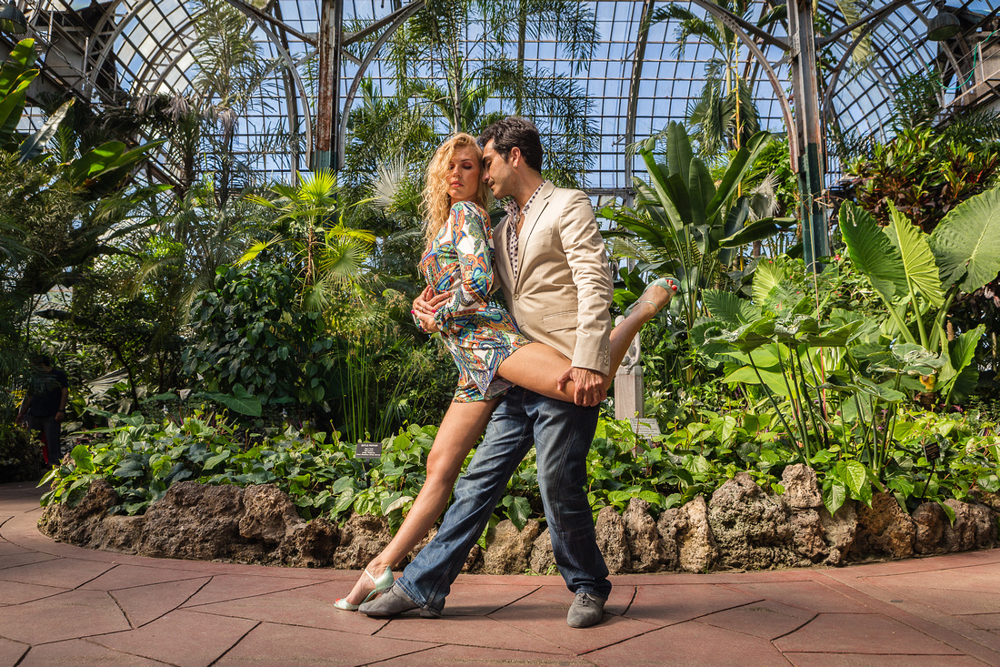 Lincoln Park Conservatory, Somer and Jessica Tango
